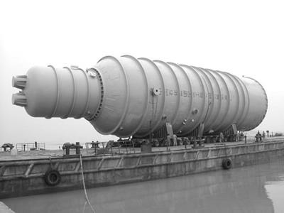 国内单体最大减压塔制造完成(图)--中国石油新闻中心