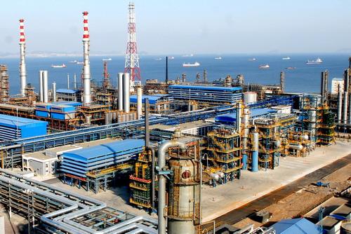 午评:沪指探底回升翻红涨0.06% 石油板块领涨
