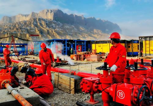 塔里木油田:钻井依奇克里克--中国石油新闻中心