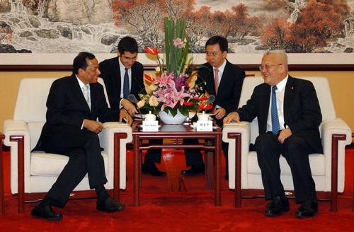 周吉平在北京会见印度爱莎集团副董事长鲁雅