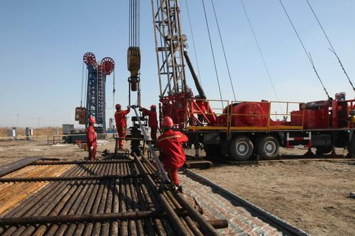 生产油井井下结构图