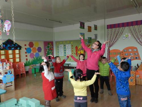 图为10月9日,幼儿园上课场景.张海燕 摄影报道