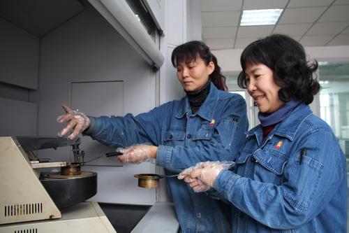 乌鲁木齐石化岗位攻关解难题--中国石油新闻中