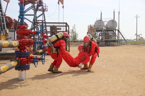 辽河油田锦州采油厂进行安全生产月应急演习